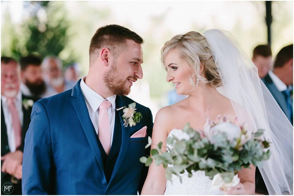 FEATURED WEDDING: ROSHARNE & DEAN